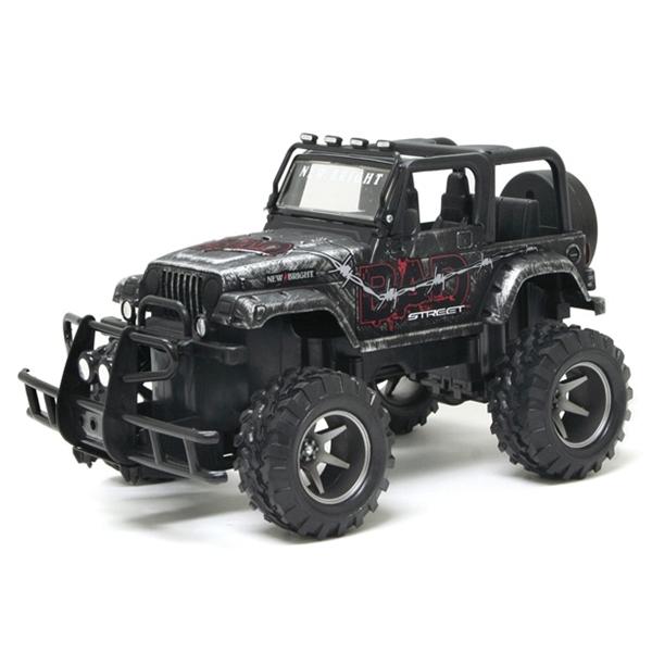 Машинка Bad Street Jeep Wrangler 1:20